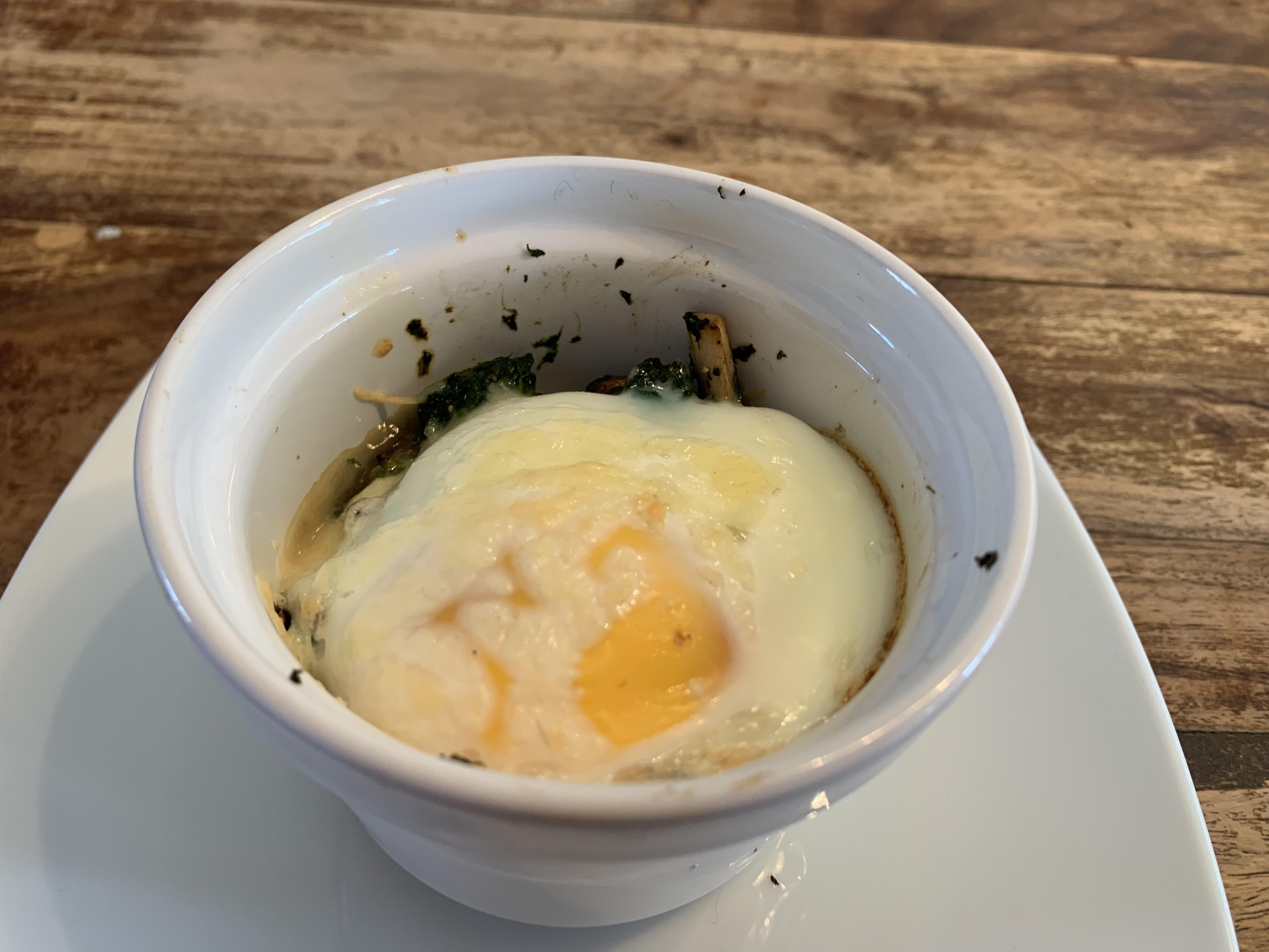 baked eggs with mushroom