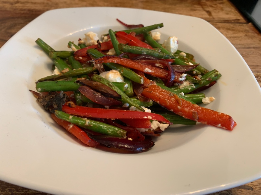 Feta with peppers and green beans